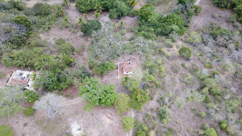 Imagem de drone usado pela Polícia Militar no RN na busca por suspeitos em matagal da região metropolitana de Natal (Foto: PM/Divulgação)