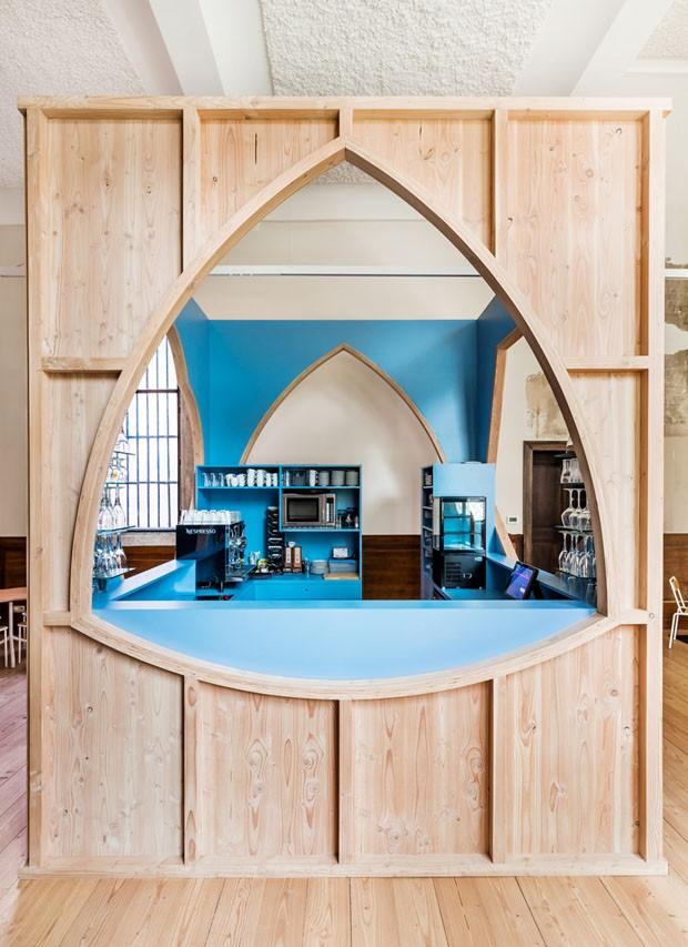 Bar hipster ocupa maior catedral da Bélgica (Foto: Divulgação)