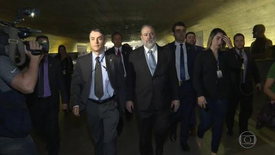 Indicado por Bolsonaro para a PGR busca apoio no Senado