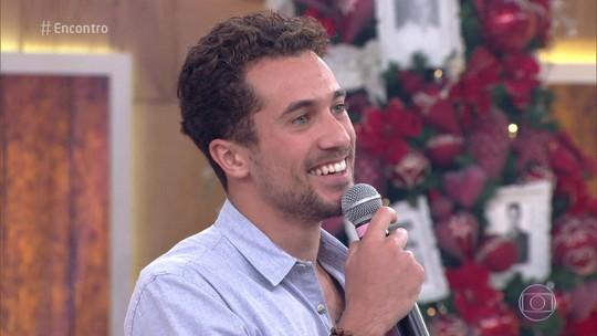 Ricardo Vianna e Dilsinho relembram amizade de infância no palco do 'Encontro'