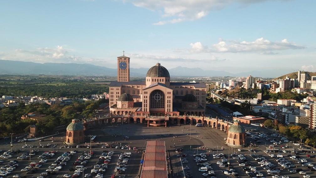 Basílica em Aparecida é o maior templo do mundo dedicado a Nossa Senhora — Foto: André Luís Rosa/TV Vanguarda