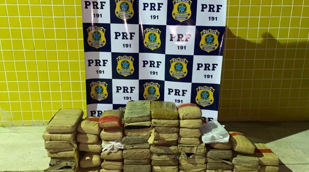 Droga apreendida em Macaíba — Foto: PRF/Reprodução