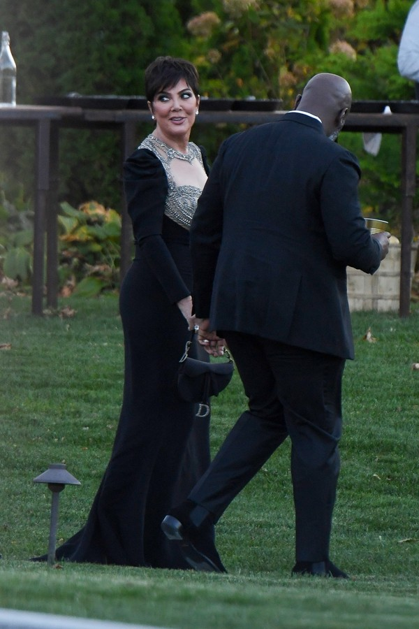 Newport, RI  - Celebrities guests arrive to Jennifer Lawrence and Cooke Maroney's wedding in Newport, Rhode Island.Pictured: Kris Jenner, Corey GambleBACKGRID USA 19 OCTOBER 2019 USA: +1 310 798 9111 / usasales@backgrid.comUK: +44 208 344  (Foto: JosiahW / BACKGRID)