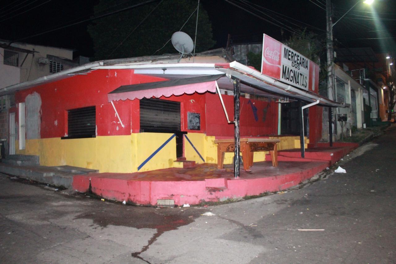 Homem morre e outros dois ficam feridos em bar na Zona Centro-Oeste de Manaus - Noticias