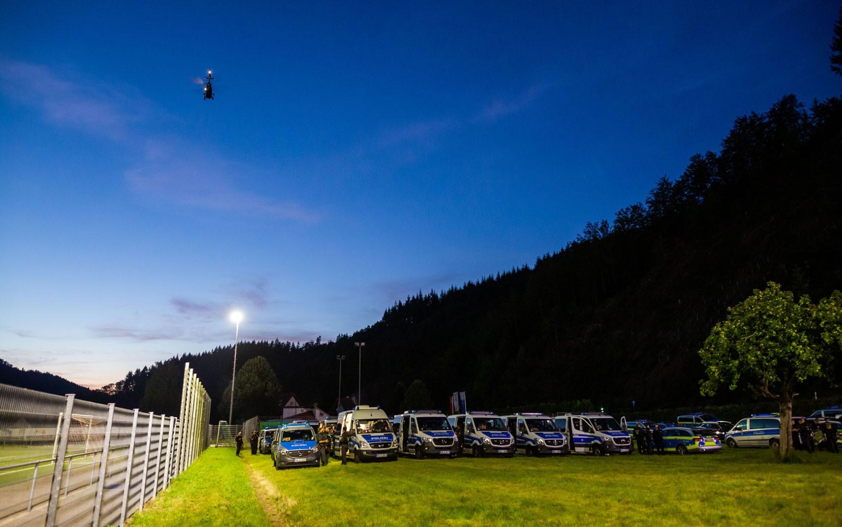 Polícia alemã tenta capturar 'Rambo da Floresta Negra'