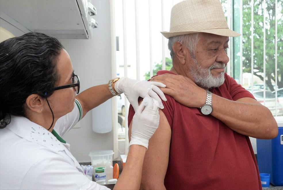 Idosos fazem parte do publico alvo de vacinação em Salvador â?? Foto: Raiza Ribeiro/Prefeitura de Palmas/Divulgação
