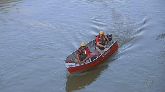 Bombeiros procuram homem que se afogou em represa entre Cerquilho e Jumirim