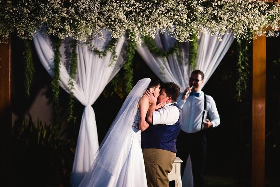 Ana Vilela e Amanda se casam — Foto: Reprodução/Instagram/2+1 Fotografia