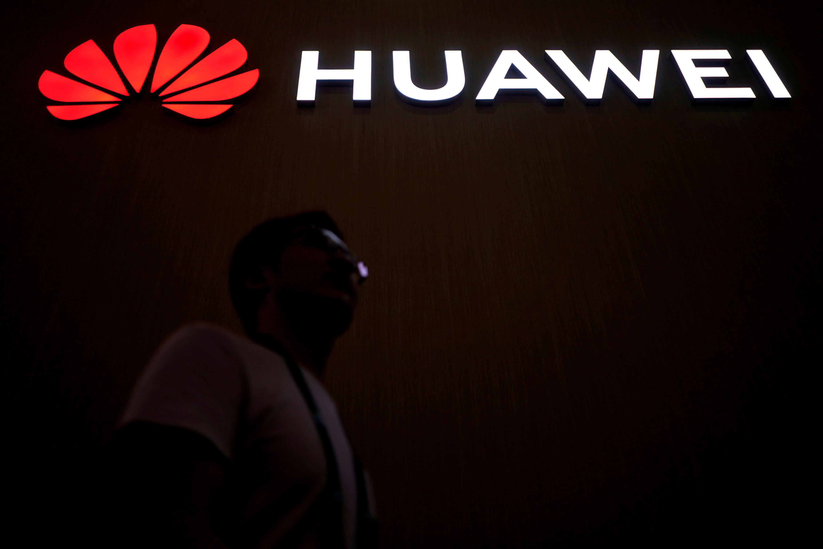 China pede aos EUA fim da 'repressão' à Huawei