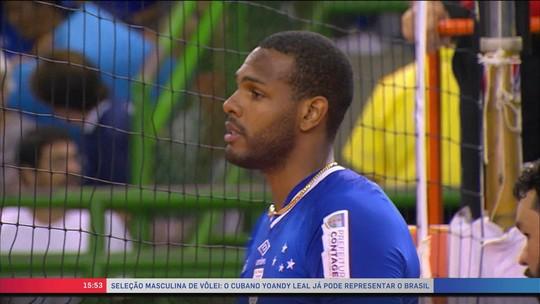 Leal é liberado para defender a seleção brasileira de vôlei a partir de março de 2018