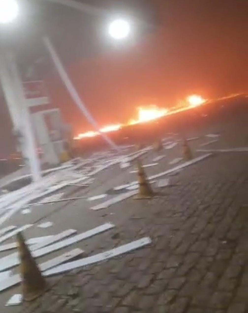 Posto de combustíveis fica em chamas após explosão em Rio Claro — Foto: Arquivo Pessoal