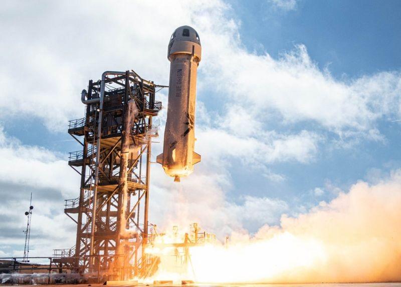 Jeff Bezos: os planos do homem mais rico do mundo para voo espacial turístico thumbnail