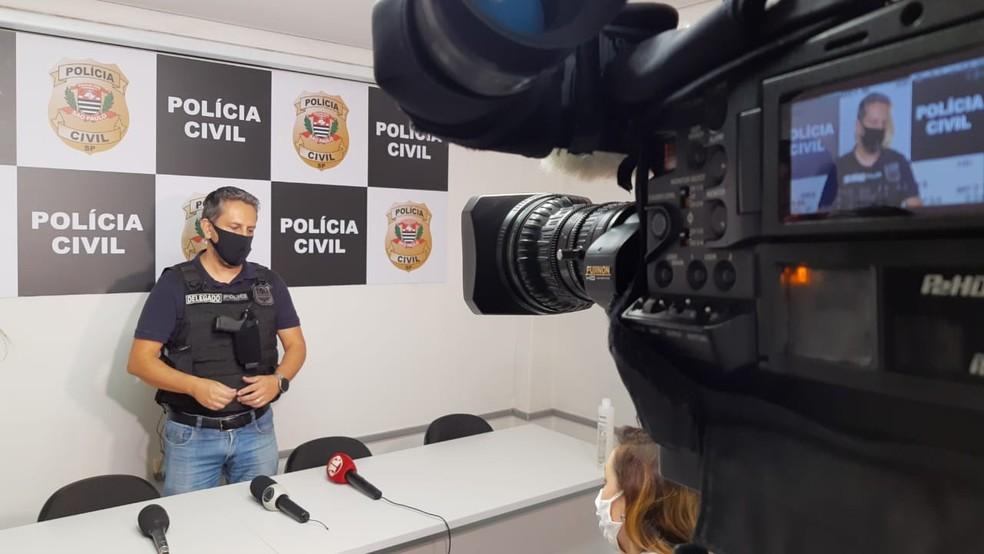 O delegado Clédson Nascimento acredita que quadrilha agia em outras regiões do estado de São Paulo — Foto: Fernando Savioli/TV TEM