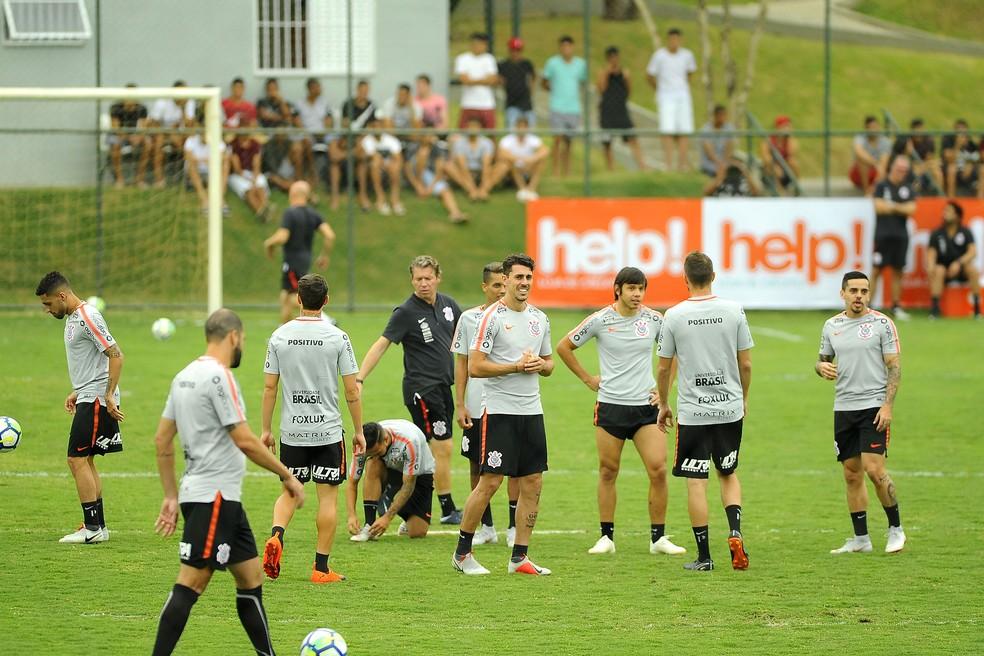 16c8feb4dcf78 ... Jogadores do Corinthians durante treinamento em Minas Gerais — Foto   Marcos Ribolli
