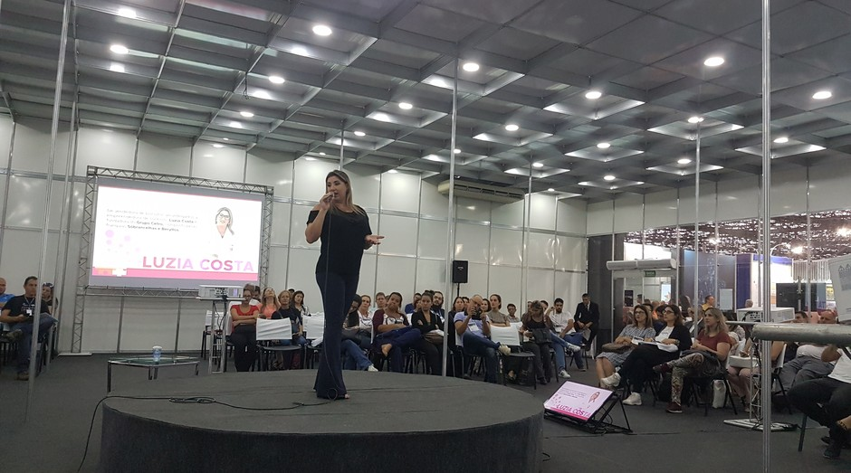 Luzia Costa Fundadora da Sóbrancelhas (Foto: Amanda Oliveira/ Editora Globo)