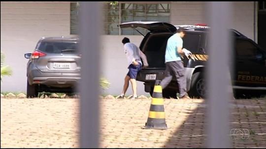 Detido com CNH falsa, Héverton paga fiança de R$ 10.560 e é solto em GO