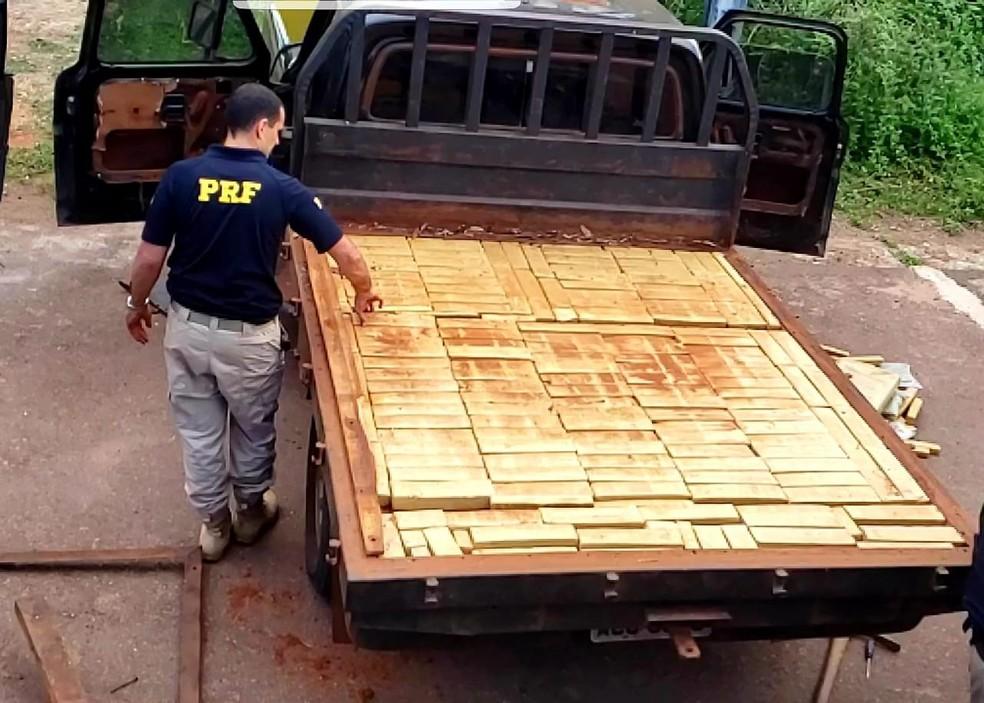 Caminhonete com mais de 230 kg de droga foi apreendida nessa terça-feira (23) na BR-364 em Rondonópolis — Foto: Polícia Rodoviária Federal de Mato Grosso/Assessoria