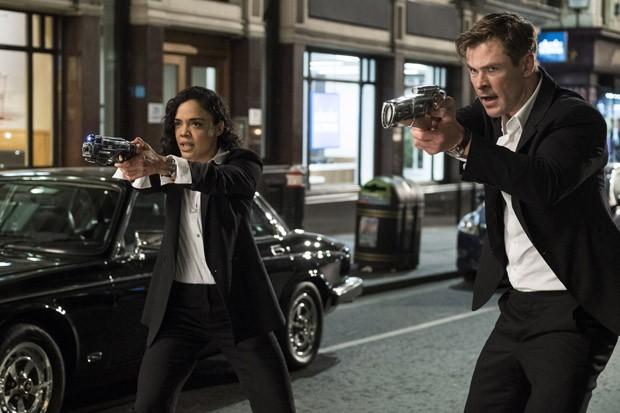 Chris Hemsworth e Thessa Thompson (Foto: Sony Pictures)