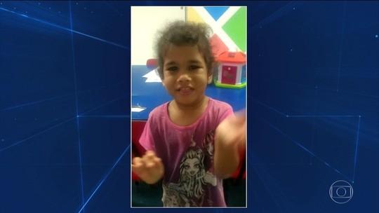 Corpo de menina de 3 anos espancada é enterrado em SP
