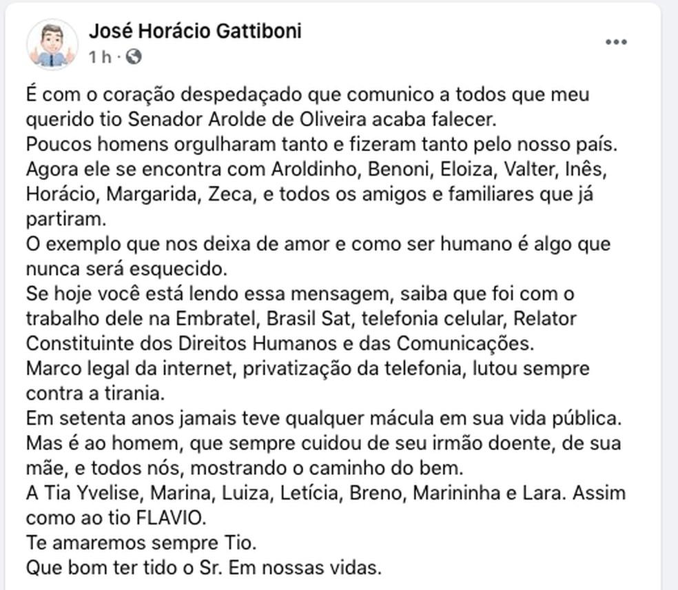 Publicação de sobrinho lembra a trajetória do tio, Arolde de Oliveira — Foto: Reprodução Facebook