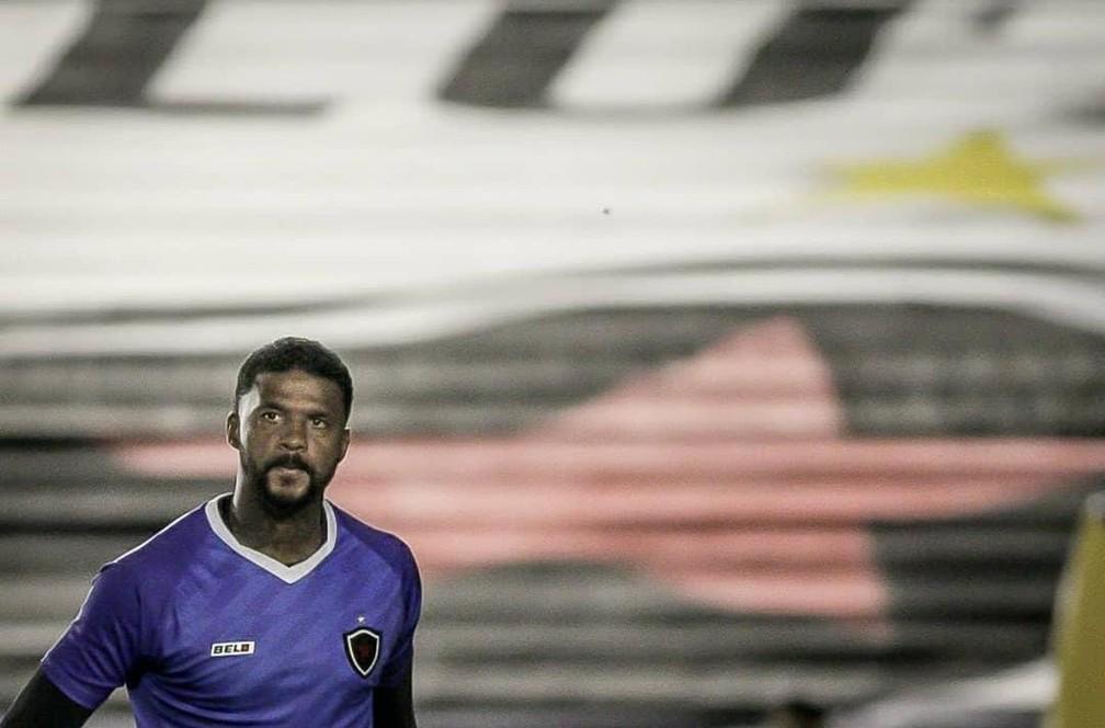 """""""Vergonhoso"""", Felipe fala sobre pênalti marcado para o Flamengo em 2009 e briga com Andrés"""