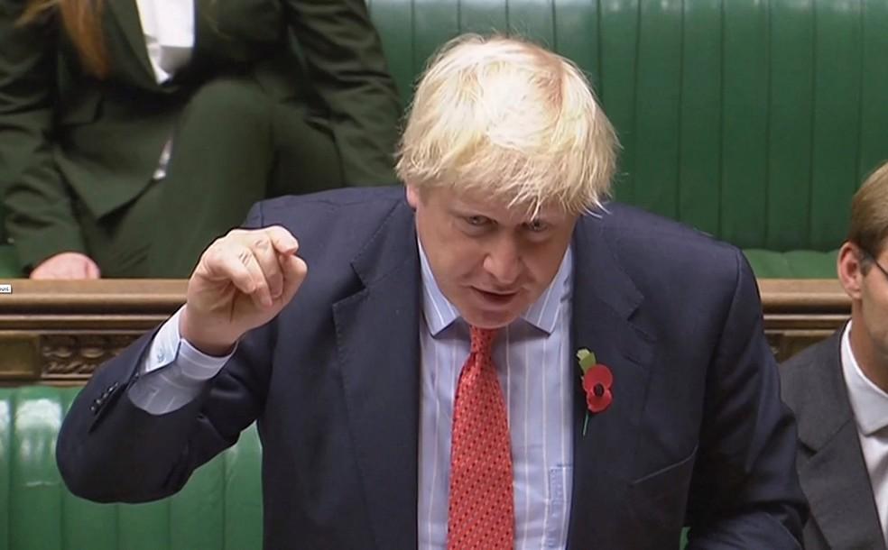 Secretário de Relações Exteriores do Reino Unido, Boris Johnson discursa na Câmara dos Comuns, em Londres (Foto:  Parliament TV Handout via REUTERS )