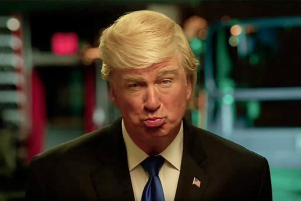 A imitação de Donald Trump feita por Alec Baldwin (Foto: Reprodução)
