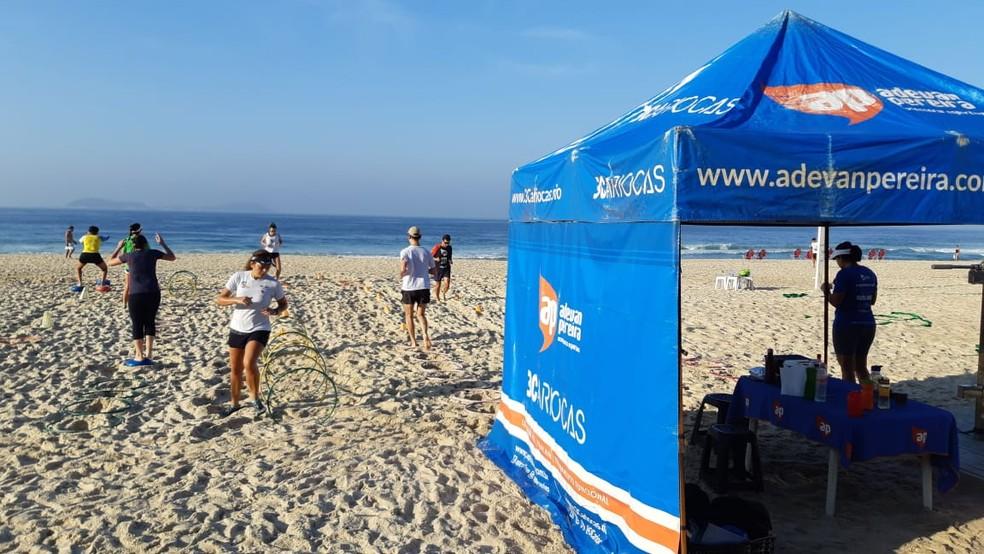Objetivos individuais em treino coletivo na praia: grupos de corrida são incentivo para iniciantes  — Foto: Divulgação / Adevan Pereira