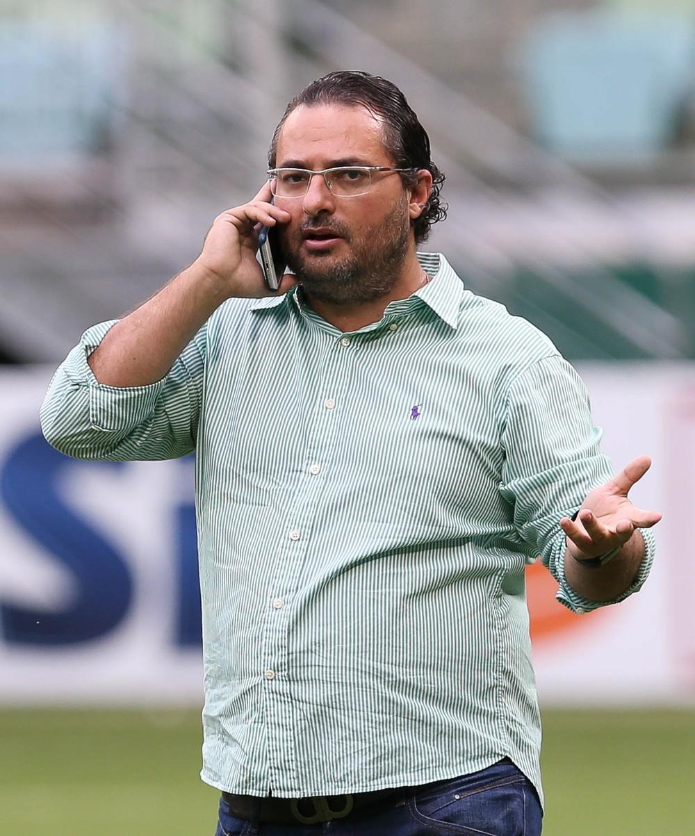 Palmeiras procura Balbuena, mas paraguaio nega deixar Timão