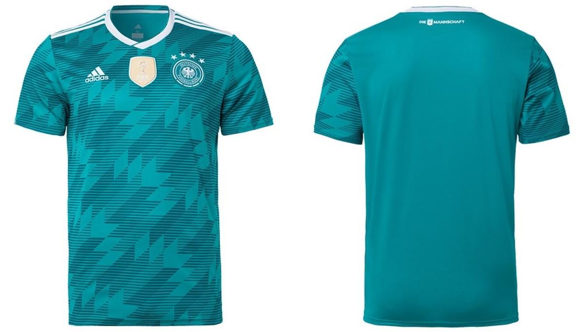 d9a3a46792 Alemanha de verde e Argentina de preto  campeão e vice lançam uniformes  reservas