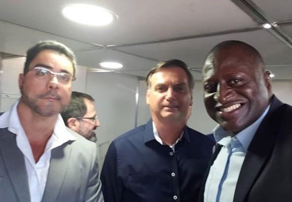 Marcelo Bretas, Jair Bolsonaro e Helio Lopes em inauguração de obra viária no Caju