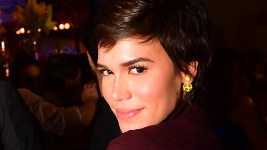 Carla Salle fala sobre o ciúme de Leila: 'Ela ainda está se entendendo e se aceitando'