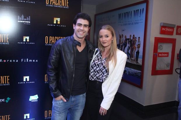 Juliano Laham com a namorada Luana Loewe (Foto: Thyago Andrade/Brazilnews)