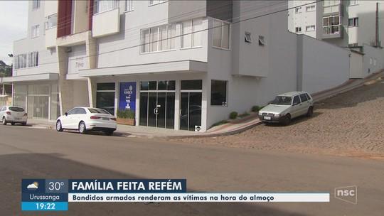 Assaltantes armados invadem empresa e fazem família refém em SC
