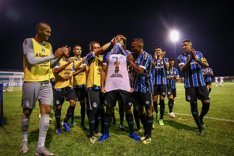 Lucas Araújo e vários jovens vão estar em grupo que  joga pela Libertadores — Foto: Lucas Uebel/Grêmio