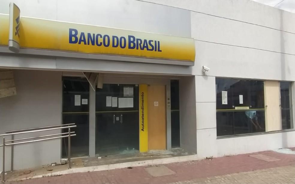 Agência do Banco do Brasil é assaltada em Campo Alegre de Lourdes — Foto: Portal Professor Thiago