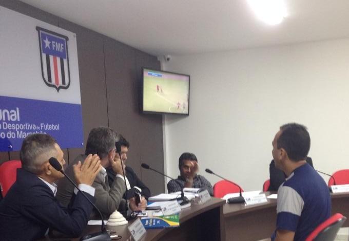 Árbitro Jorge Luís Viana da Silva sendo julgado pelo TJD-MA (Foto: Divulgação / Moto Club)