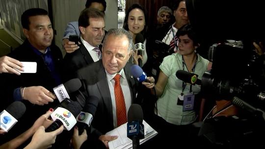 Corregedor da Câmara recolhe apostas para bolão do impeachment