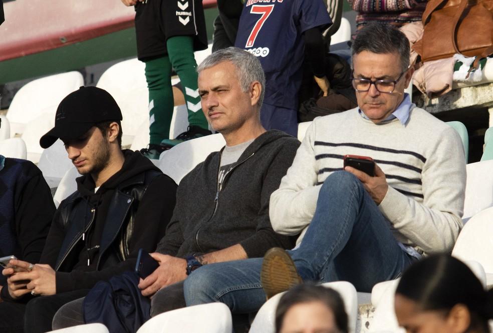 José Mourinho assistiu a Vitoria Setubal x Santa Clara em Portugal pouco antes do Natal — Foto: EFE/EPA/RUI MINDERICO