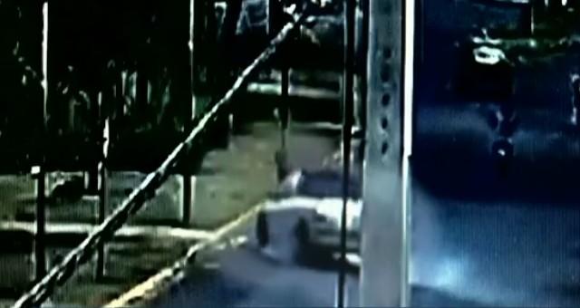 Homem é atropelado e motorista foge do local do acidente em Paranavaí, diz Samu; VÍDEO - Notícias - Plantão Diário