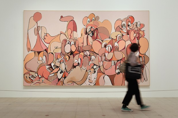 LONDON, ENGLAND - OCTOBER 17:  A woman walks past a painting by American artist George Condo entitled 'Pink and Orange Abstraction', in the 'Mental States' exhibition of his work at The Hayward Gallery on October 17, 2011 in London, England. The 'Mental S (Foto: Getty Images)