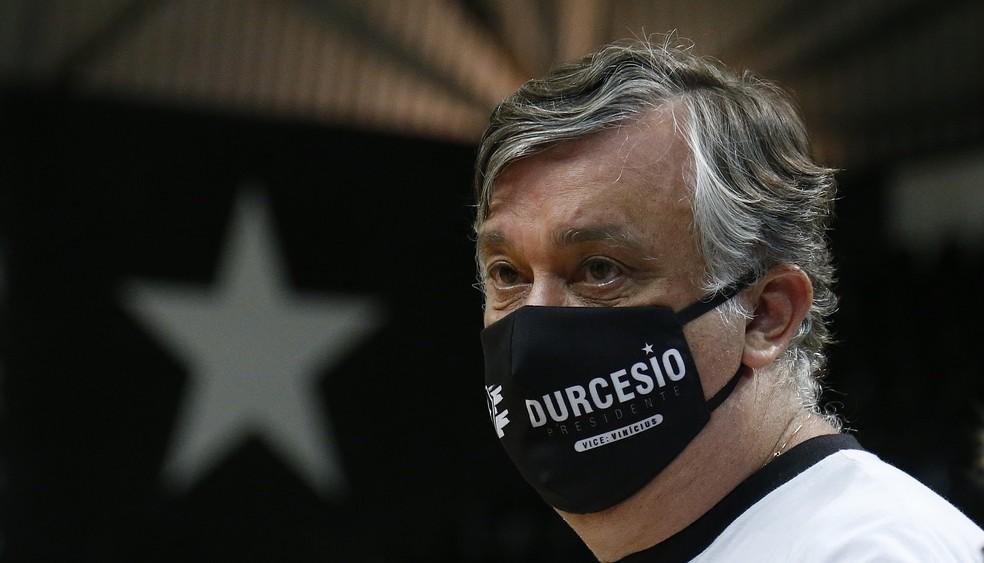 Presidente Durcesio Mello acompanha de perto o andamento da S/A — Foto: Vitor Silva/Botafogo