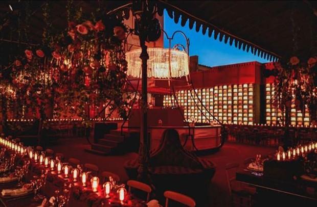 Casamento Chiara Ferragni e Fedez: Decoração predominantemente vermelha do jantar de ensaio (Foto: Instagram/Reprodução)