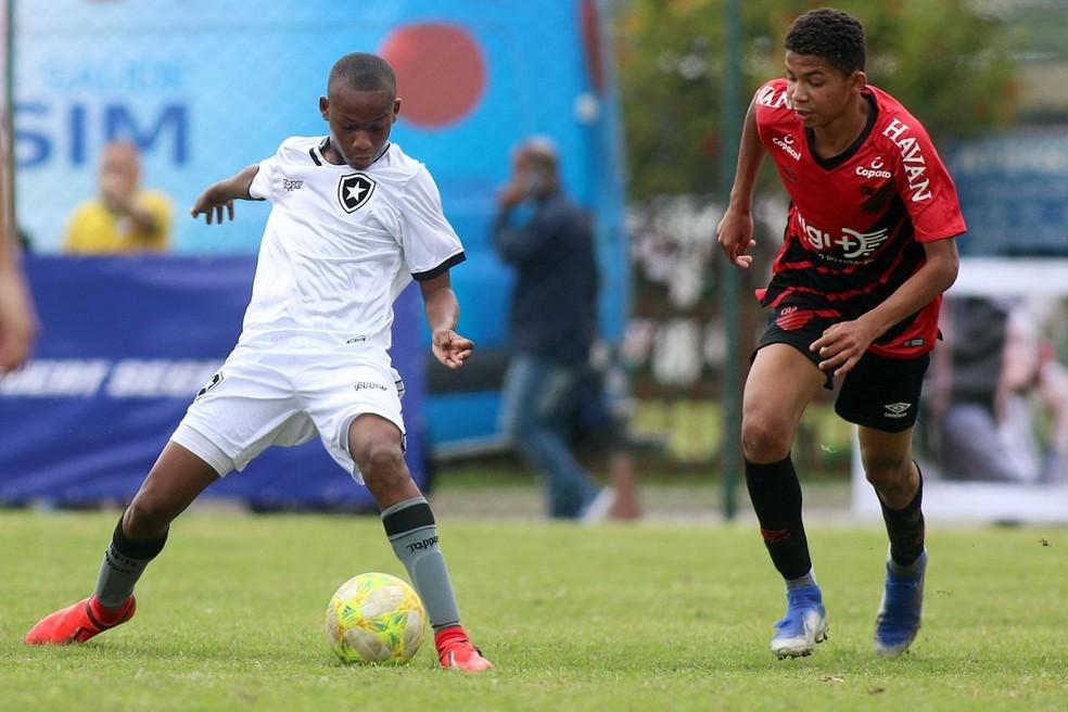 Rhuan Lucas, volante do Botafogo Sub-17 — Foto: Botafogo F.R.