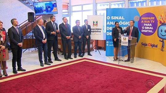 Municípios assinam termo de cooperação para transição do sinal analógico de TV para o digital