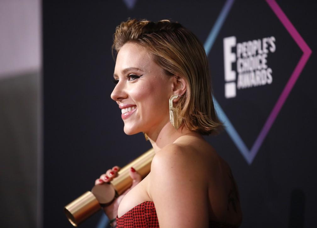 Scarlett Johansson vence uma das categorias do People's Choice Awards 2018 — Foto: REUTERS/Danny Moloshok