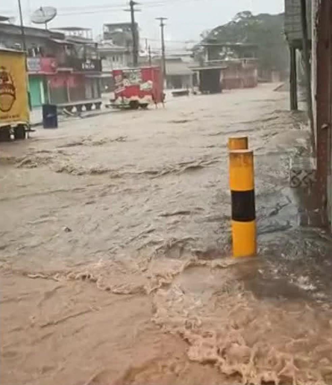 Chuva causou alagamentos em Ribeirão, na Zona da Mata de Pernambuco — Foto: Reprodução/WhatsApp