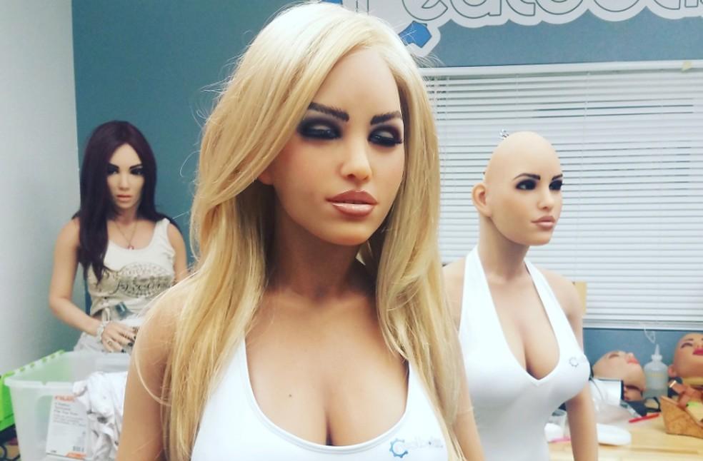 Robô Harmony terá câmera de reconhecimento facial — Foto: Divulgação/Realbotix