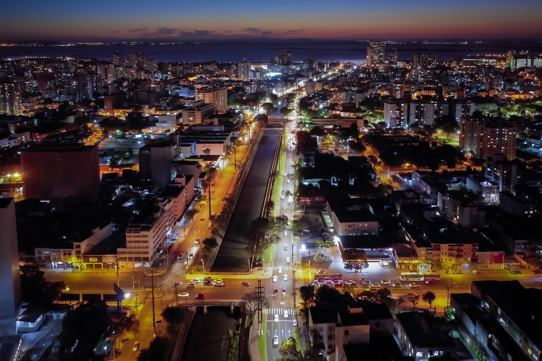 Prefeitura de Porto Alegre amplia horário de restaurantes e capacidade em ônibus