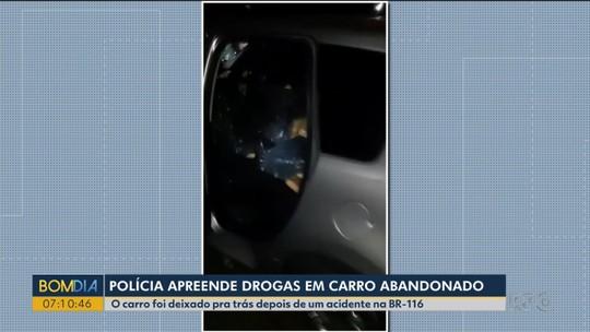 Carro se envolve em acidente na Região de Curitiba, e PRF encontra 454 tabletes de maconha